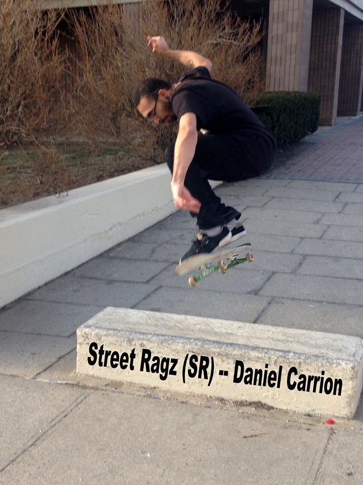 Street Ragz. Daniel Carrion Jumping.